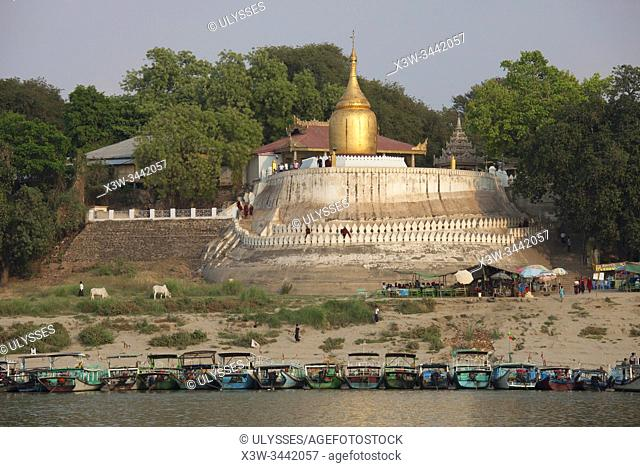 Bu Paya and Ayeyarwady river, Old Bagan village, Mandalay region, Myanmar, Asia