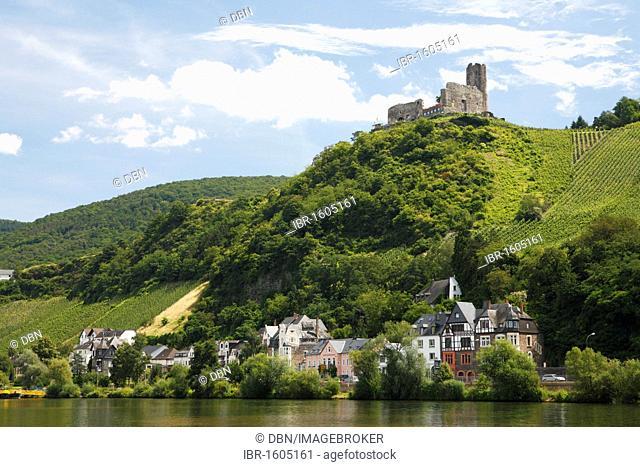 View of Landshut Castle in Bernkastel-Kues, Rhineland-Palatinate, Germany, Europe