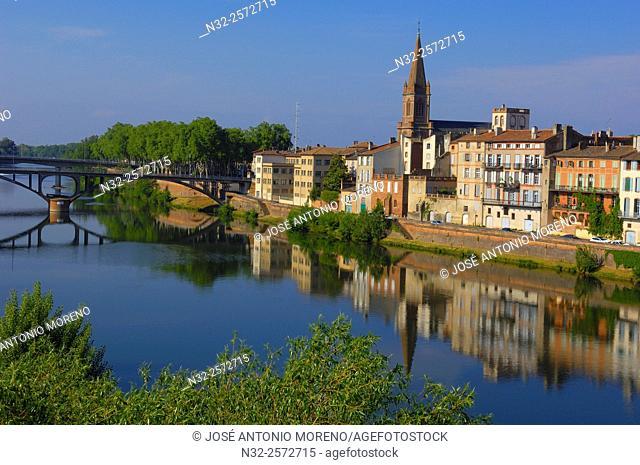 Montauban, River Tarn, Quai vilebourbon, Tarn-et-Garonne Departement , Midi-Pyrenees, France, Europe