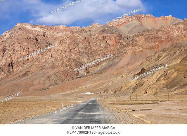 Pamir Highway / M41 traversing the Pamir Mountains, Gorno-Badakhshan province, Tajikistan