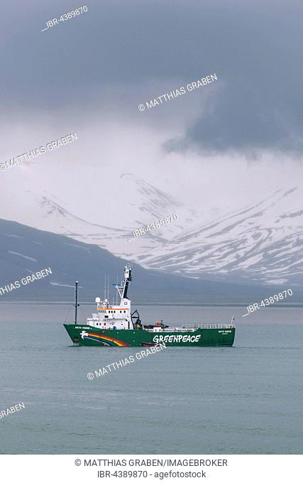 Greenpeace ship Arctic Sunrise in front of Longyearbyen, Svalbard, Spitsbergen, Norway