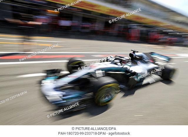 20 July 2018, Germany, Hockenheim: Motorsport: Formula 1 World Championship, German Grand Prix: The UK's Lewis Hamilton of the Team Mercedes AMG Petronas...