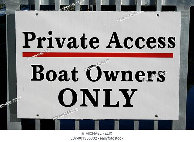Boat Owners Only Sign