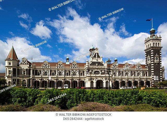 New Zealand, South Island, Otago, Dunedin, Dunedin Railway Station, built 1906, exterior