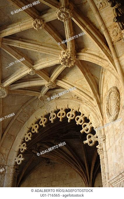 Cloister of Monastery of the Hieronymites, detail. Belem. Lisbon. Portugal