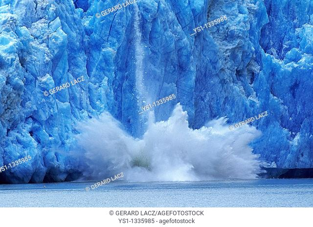GLACIER IN ALASKA, CONCEPT OF GLOBAL WARMING