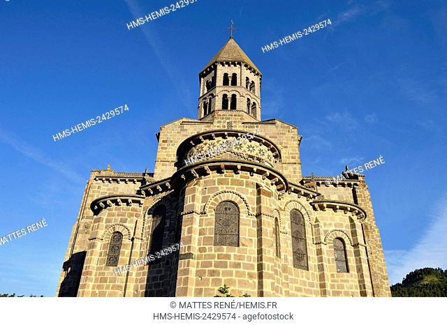France, Puy de Dome, Parc Naturel Regional des Volcans d'Auvergne (Auvergne Volcanoes Natural Regional Park), the village of Saint Nectaire with its romanesque...