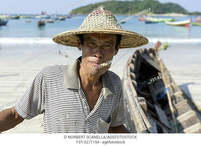 Myanmar (ex Birmanie). Ngapali. Arakan state. Bengal Golf Course. Fisherman village. Portrait of a fisherman
