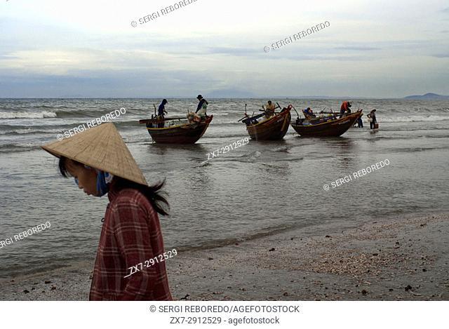 Vietnam, Mui Ne, Mui Ne Beach, Fishing Catch. fishing village, Bình Thuận Province, Vietnam