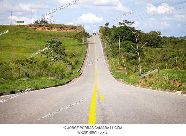 Via Caucacia-El Bagre, Antioquia, Colombia
