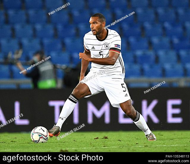 Jonathan TAH (GER), action, single action, single image, cut out, whole body shot, whole figure soccer game, UEFA Nations League Division A, 2020/2021, group 4