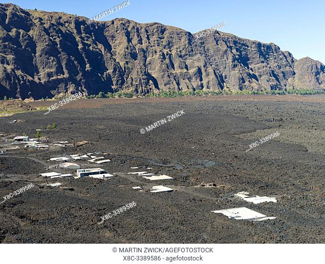 Villages Portela und Bangaeira in the Cha das Caldeiras, destroyed by a lavaflow in 2014/2015. Stratovolcano mount Pico do Fogo