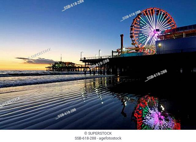 Ferris wheel on the wheel, Santa Monica Pier, Santa Monica, Los Angeles County, California, USA