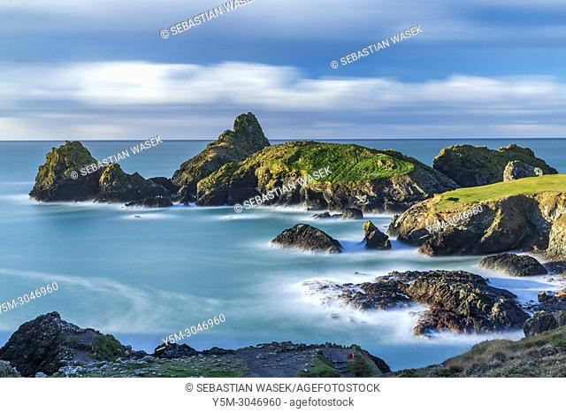 Kynance Cove, Lizard Peninsula, Cornwall, England, United Kingdom, Europe