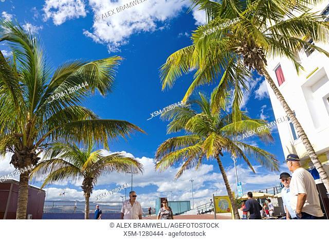 View of the promenade along the back of Canteras Beach in Las Palmas de Gran Canaria