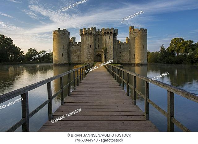 Dawn at Bodiam Castle (built 1395), Bodiam, Robertsbridge, East Sussex, England