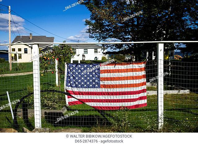 USA, Maine, Portland, Casco Bay, Peaks Island, US flag