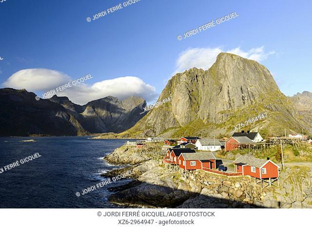 Fishing village of Reine, Moskenesøya island, Lofoten archipelago, county of Nordland, Norway, Europe