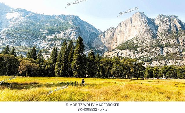 Yosemite Valley in Autumn, Yosemite National Park, UNESO World Heritage Site, California, USA