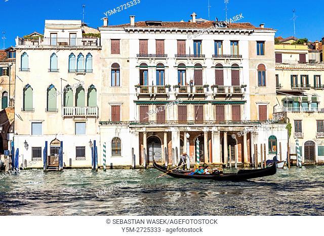 Palazzo Michiel seen from Rialto Market, Venice, Veneto, Italy, Europe