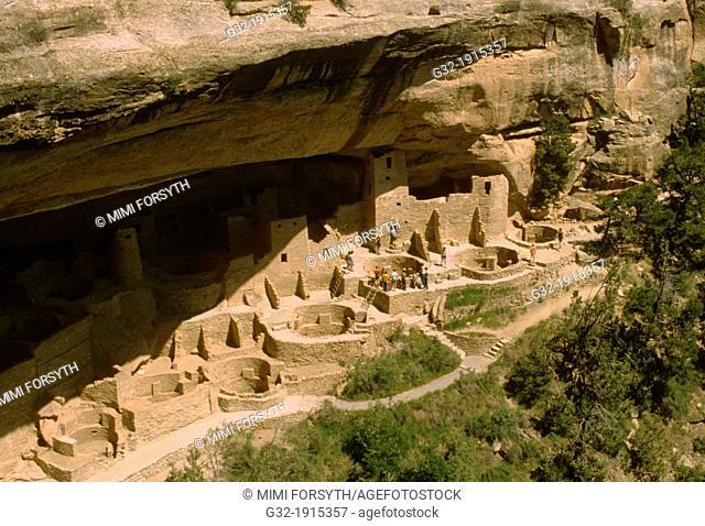 Cliff dwelling built by Anasazi, Mesa Verde National Park, Colorado, USA