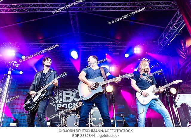 "Kiel, Germany - June 28tht 2019: The Berlin Band """"Benner"""" is performing on the Radio BOB! Rockcamp during the 12th Kiel Week"