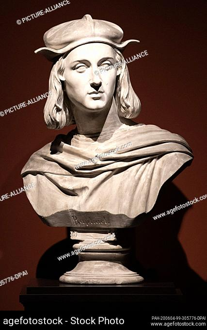"""04 June 2020, Saxony, Dresden: A plaster bust of Raphael by Ernst Julius Hähnel can be seen in the exhibition """"""""Raphael - Power of Images"""
