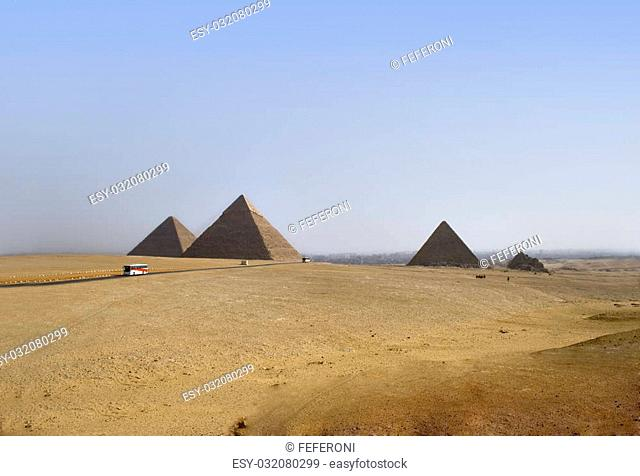 great pyramids of Chephren, Khafu and Menkaure on the giza plateau, Kairo, Egypt