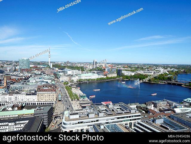 View on Jungfernstieg and Binnenalster, Hamburg, Germany, Europe