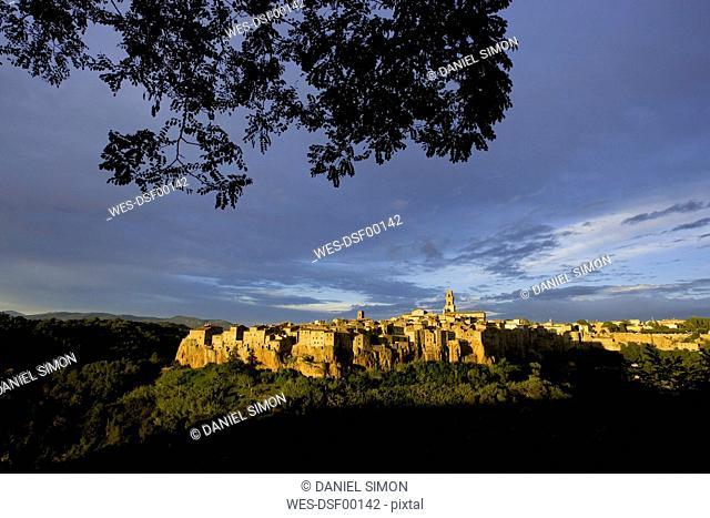 Italy, Tuscany, Pitigliano, Cityscape at twilight