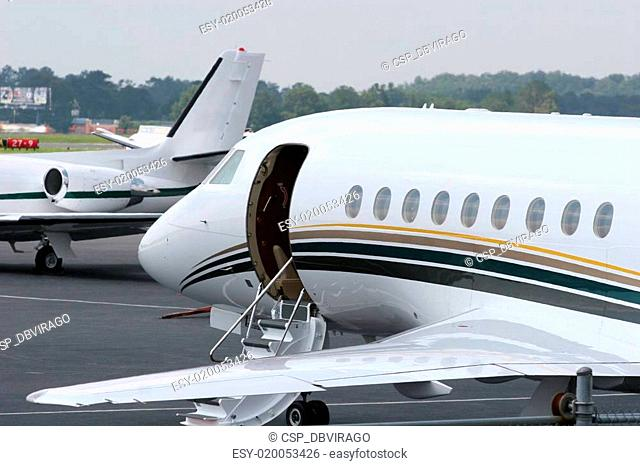 Jets Waiting