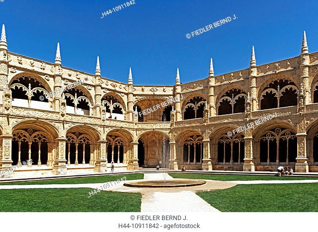 Portugal, Europe, Lisbon, Lisboa, Belem, Praca do Imperio, cloister and inner courtyard, Mosteiro dos Jeronimos, cloister Here, architecture, detail, building