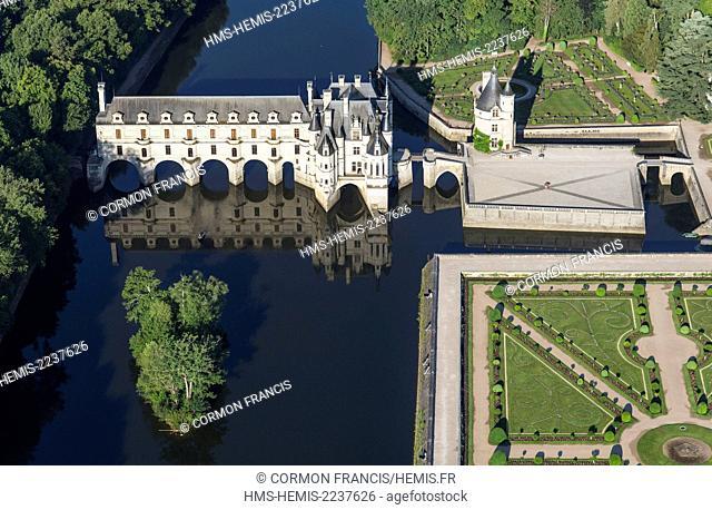 France, Indre et Loire, Chenonceau, Chenonceau castle (aerial view)