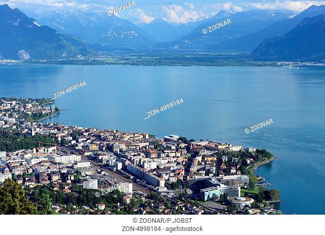 Vevey ist eine kleine Stadt am Genfer See / Vevey is a small city at Lake Geneva