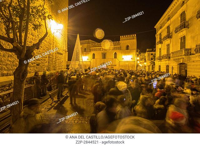 Christmas wishes from the most beautiful villages in Spain, by Ferrero Rocher campaigns. Rubielos de Mora was touched by the magic lighting of Ferrero Rocher on...