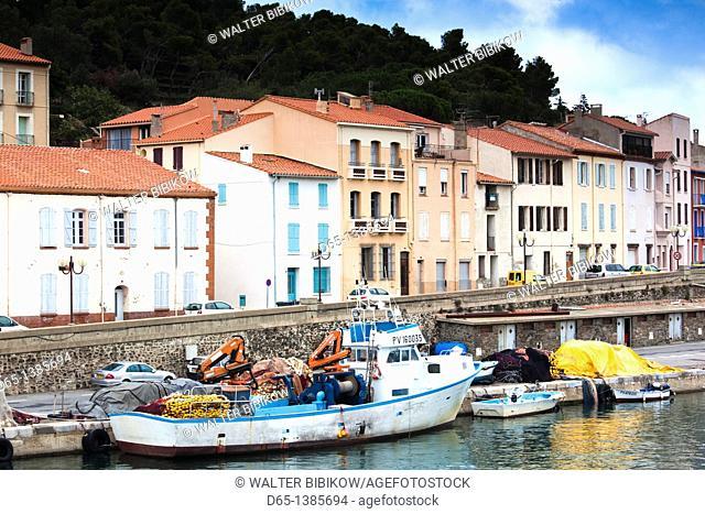 France, Languedoc-Roussillon, Pyrennes-Orientales Department, Vermillion Coast Area, Port-Vendres, commercial fishing harbor