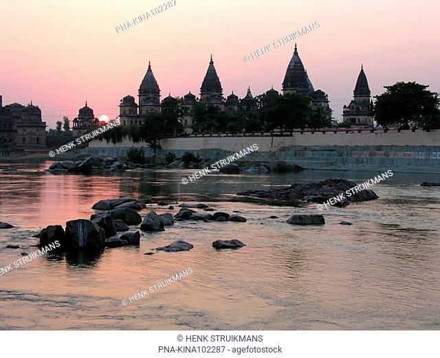 Betwa river, Orchha, Tikamgarh, Madhya Pradesh, India, Asia