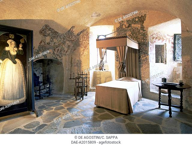 Bedroom with a canopy bed, Chateau de Jumilhac, Aquitaine. France, 15th-17th century