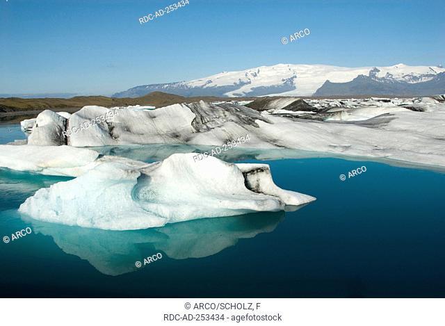 Ice floes glacial lake Jokulsarlon glacier Breidamerkurjokull Iceland Breidamerkurjökull Jökulsarlon
