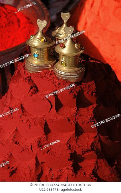 Delhi, India: tikka powder on sale at the Kalkaji Temple