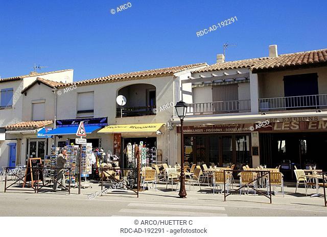 Pavement cafe and shop, Les Saintes-Maries-de-la-Mer, Camargue, Bouches-du-Rhone, Provence-Alpes-Cote d'Azur, Southern France