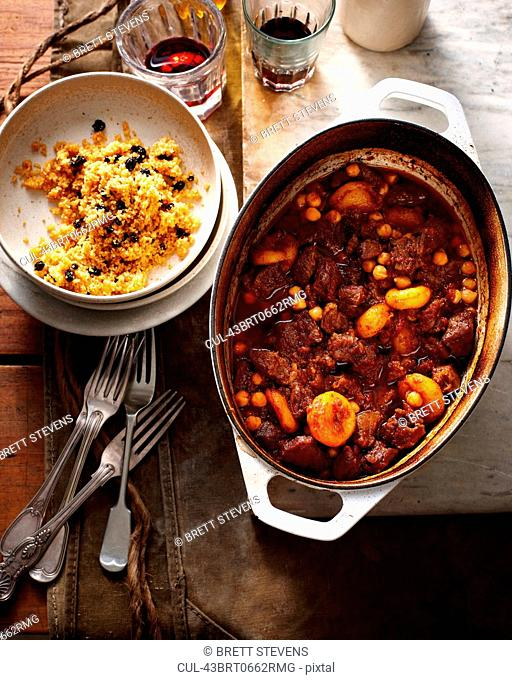 Stewed meat and beans with rice