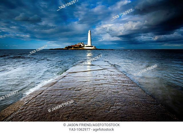 England, Tyne and Wear, Whitley Bay  Incoming tide engulfs the causeway linking St Mary's Island & lifehouse to the mainland