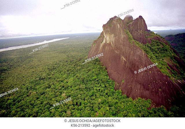 Tepuy (flat top mountain). Amazonas area. Venezuela