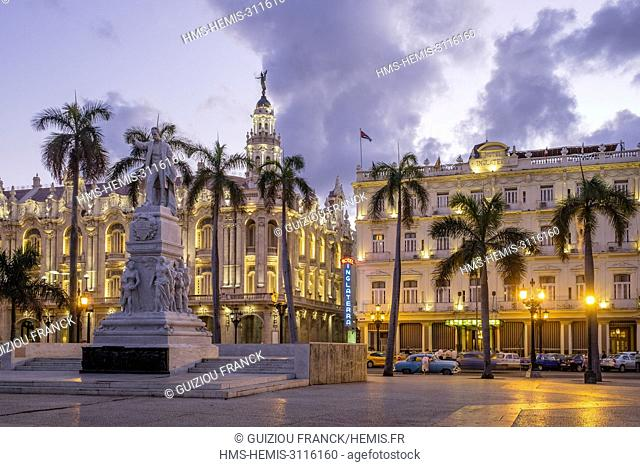 Cuba, Havana, Habana Vieja district (UNESCO World Heritage site), Paseo de Marti or Prado, avenue lined with elegant mansions connecting the Malecon to the...