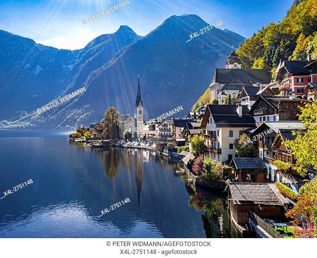 The village of Hallstatt, Lake Hallstatt, UNESCO World Heritage Hallstatt-Dachstein Salzkammergut, Upper Austria, Austria, Europe