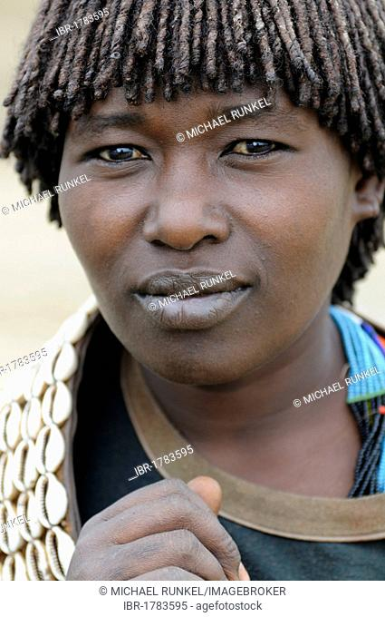 Market woman from the Ari tribe, portrait, southern Omo valley, southern Ethiopia, Africa