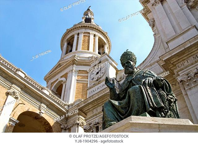 Statue of Pope Sixtus V in front Basilica della Casa Santa, Loreto, Italy