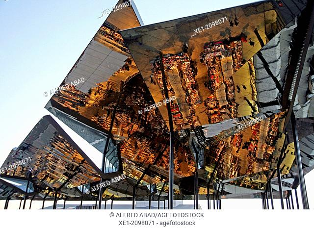Pergola with mirrors, Encants Vells new building, Fira de Bellcaire, arch. Fermin Vazquez, 2013, Barcelona, Catalonia, Spain