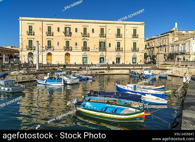 Ortygia island harbour, Syracuse, Sicily, Italy, Europe